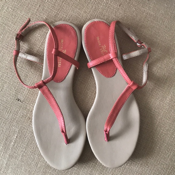 Brooks Brothers Shoes | Womens Thong